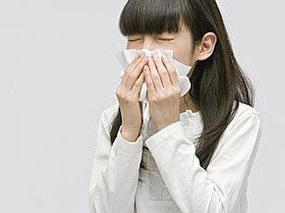 千万次的问   过敏性鼻炎能
